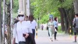 Все больше жителей Бишкека перестают соблюдать самоизоляцию. Видео