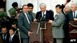 Ельцин с Александром Коржаковым в 1991 году