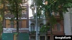 3 дома на 75-й улице на Манхеттене в Нью-Йорке, собственником которых предположительно является Абрамович