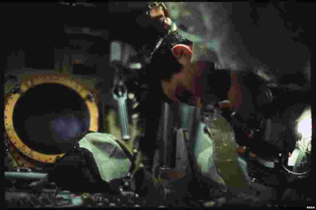 """Астронавтам выплачивали командировочные. В августе 2015 года Базз Олдрин выложил в твиттере свой """"путевой лист"""".В графу """"расходы"""" ему, по правилам бухгалтерии, пришлось внестизатратына дорогу до базы на мысе Канаверал во Флориде (тогда - мыс Кеннеди),а потом и на полет на Луну"""