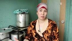 Волонтеры помогают московским мигрантам, оставшимся без работы и жилья
