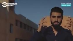 """""""Сколько рэперов Путин посадил?"""" Сириец поет рэп о России на развалинах Идлиба"""