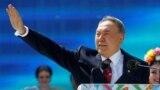 Kazakhstan - Kazakhstan's President Nursultan Nazarbayev waves to audience as he attends celebrations to mark Kazakhstan People's Unity Day in Almaty, Kazakhstan, May 1, 2016. REUTERS/Shamil Zhumatov