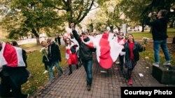 Марш в поддержку протестов в Беларуси в Риге 10 октября 2020