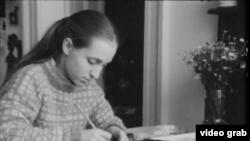 """кадр из фильма """"Семейная история"""", реж. Хелена Тржештикова"""