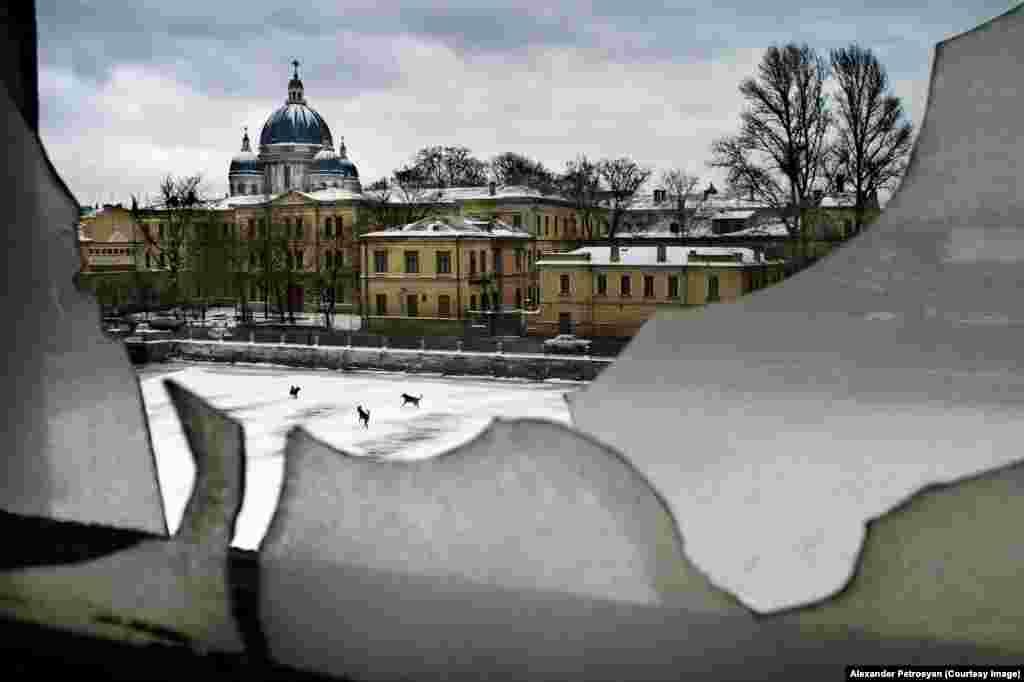 Зимний вид на канал