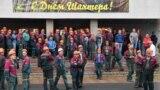 """Рабочие """"Беларуськалия"""" ждут встречи с руководством, 18 августа 2020 года. Фото: ТАСС"""