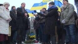 В Киеве отметили годовщину со дня рождения лидера Народного Руха Вячеслава Черновола