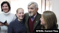 Юрий Дмитриев с родными
