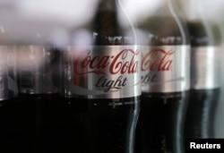 """Немногие знают, что общего у Кремля с производителем """"Кока-Колы"""": те и другие пользуются пиар-услугами компании Ketchum"""