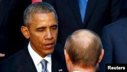 Барак Обама и Владимир Путин на саммите G20 в Анталье в ноябре 2015 года