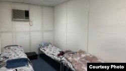 Одна из комнат в карантинном центре