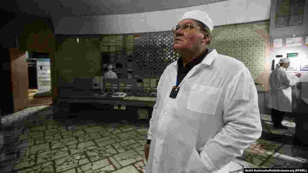 """Местом работы Аркадия Ускова был первый блок ЧАЭС, но ночью его вызвали на помощь к коллегам на четвертый. Он вручную открывал засовы для подачи воды в реактор. """"Рядом чувствовалась пропасть и """"ухая"""" звуки пара – такое, что лучше туда не заглядывать. И не отходить"""""""