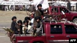 Парад талибов в Кабуле в 2001 году