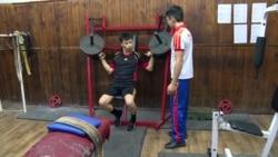 19-летний парень с ДЦП занимается армрестлингом и отремонтировал зал для людей с инвалидностью