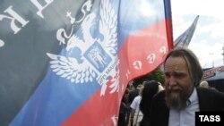 Александр Дугин на акции в поддержку непризнанных республик в Донбассе