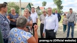 Губернатор Иван Белозерцев на встрече с жителями Чемодановки, 15 июня 2019