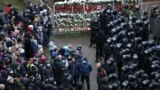 Belarus - Belarusian law enforcement officers surround demonstrators during a rally to reject the presidential election results in Minsk, November 15, 2020