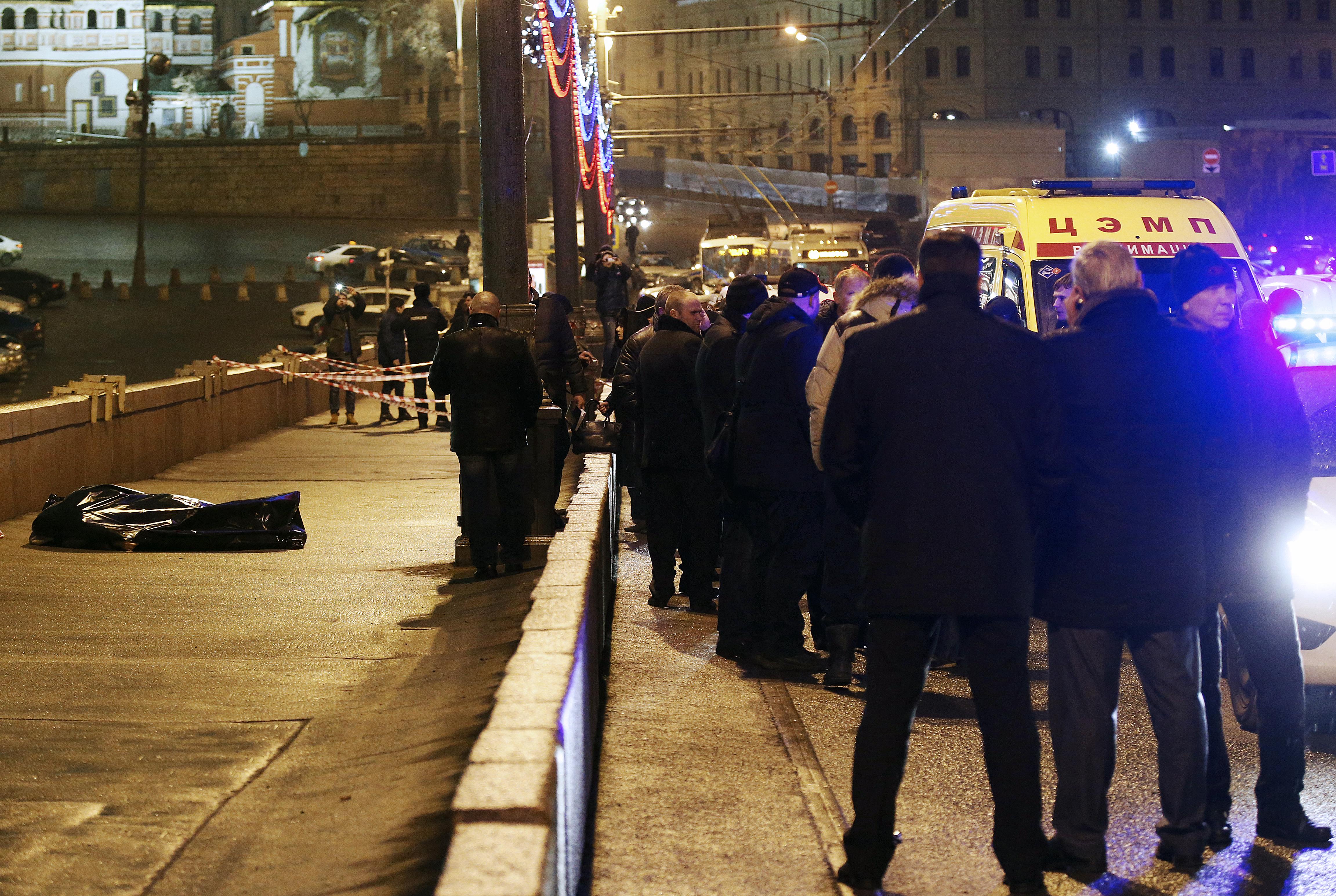 На месте убийства Бориса Немцова на Большом Москворецком мосту. Фото: ТАСС