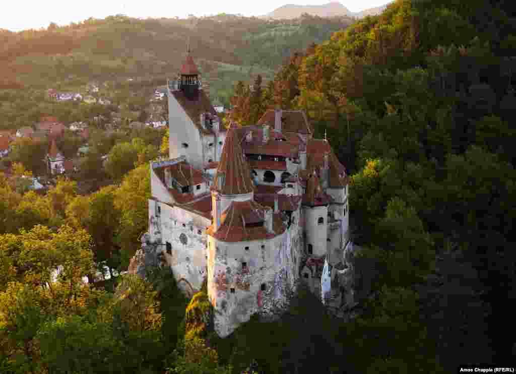 Брашов, Румыния. Замок Бран, также известный как замок Дракулы