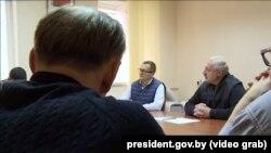 Юрий Воскресенский и Александр Лукашенко на встрече в СИЗО КГБ
