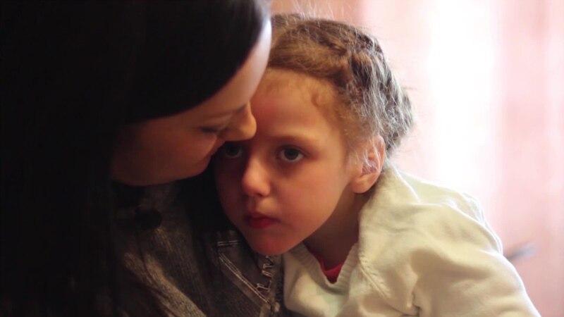 Жизнь ценой в 48 миллионов рублей в год. Российские власти отказали в лечении детям с редким заболеванием