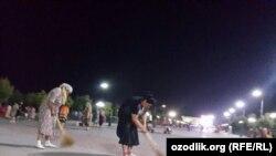 Ночная генуборка в Самарканде.