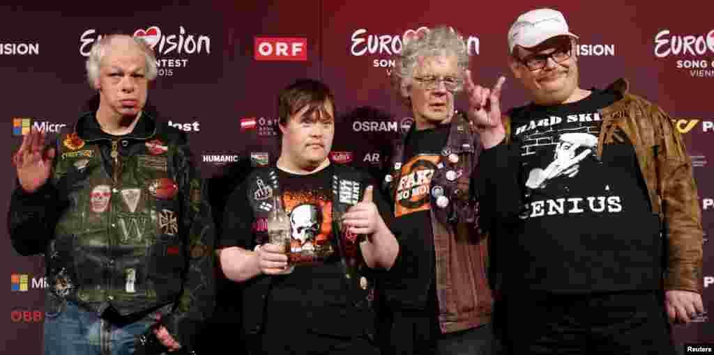 В Вену на Евровидение приехала известная финская панк-группаPertti Kurikan Nimipaivat. Группа уникальна тем, что все ее участники - с синдромом Дауна. Они представляют свою страну на конкурсе