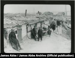 Дома, в которых жили рабочие Днепрогэса. Фото 1932 года. James Abbe/James Abbe Archive