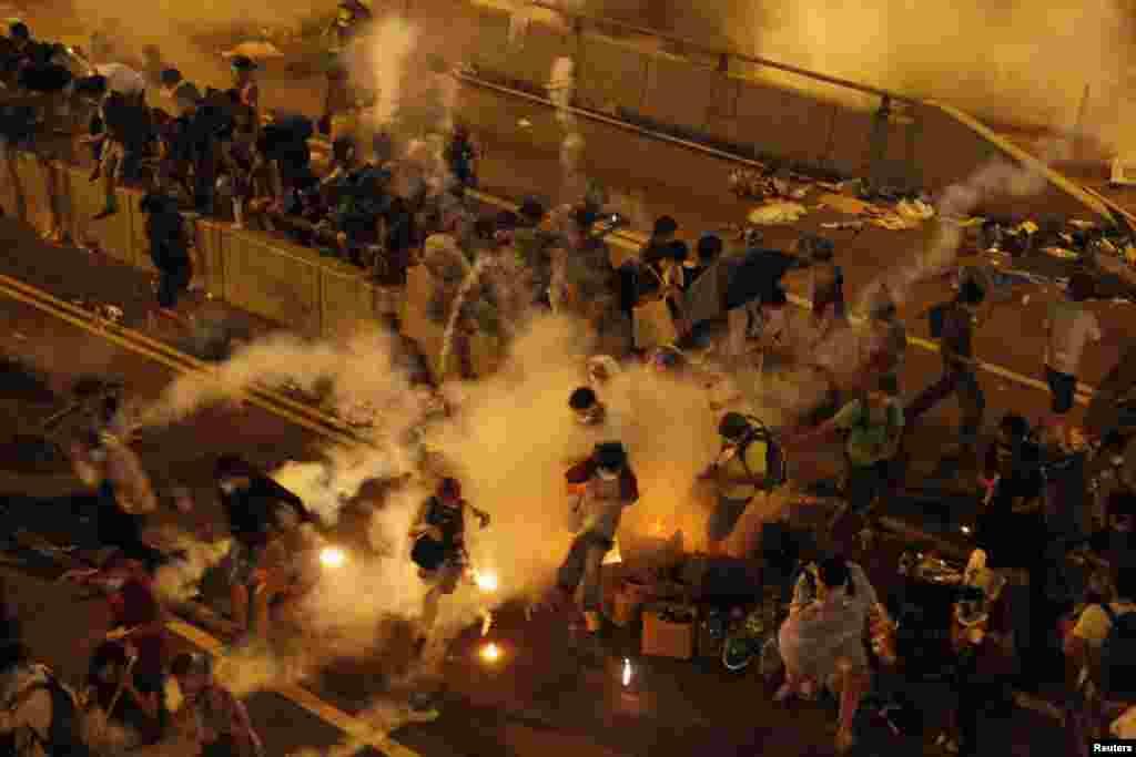 Столкновения с полицией в центре Гонконга, 29 сентября 2014 года