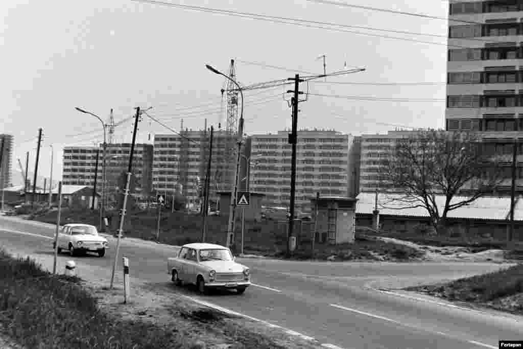 Жилой комплекс рядом с улицей Балатон. 1975 год. К 1970-м годам многие крупные жилые комплексы возводились по типовым проектам. Сегодня они считаются серыми пятнами городского ландшафта Будапешта