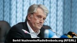 Former Ukrainian President Viktor Yushchenko (file photo)