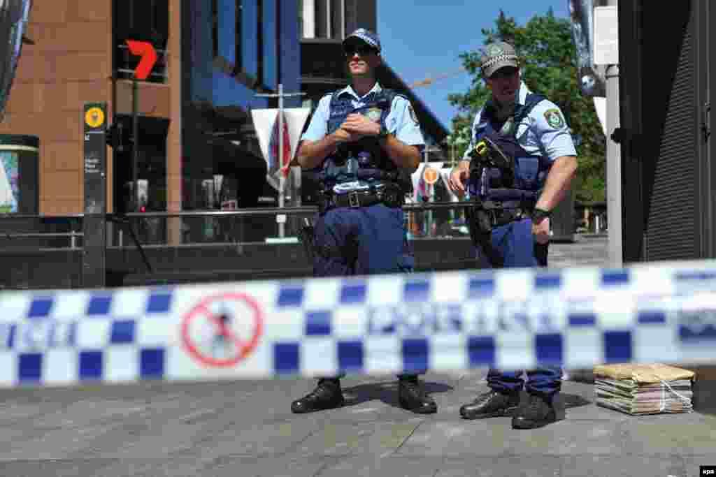 Полиция оцепила квартал, в котором расположено кафе с заложниками