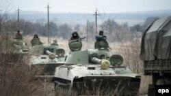 Отвод тяжелых вооружений из Оленовки, Донецкая область Украины