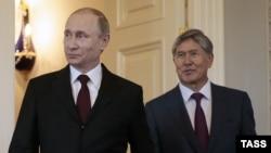 Президент России Владимир Путин и президент Кыргызстана Алмазбек Атамбаев, Санкт-Петербург. 16 марта 2015 года