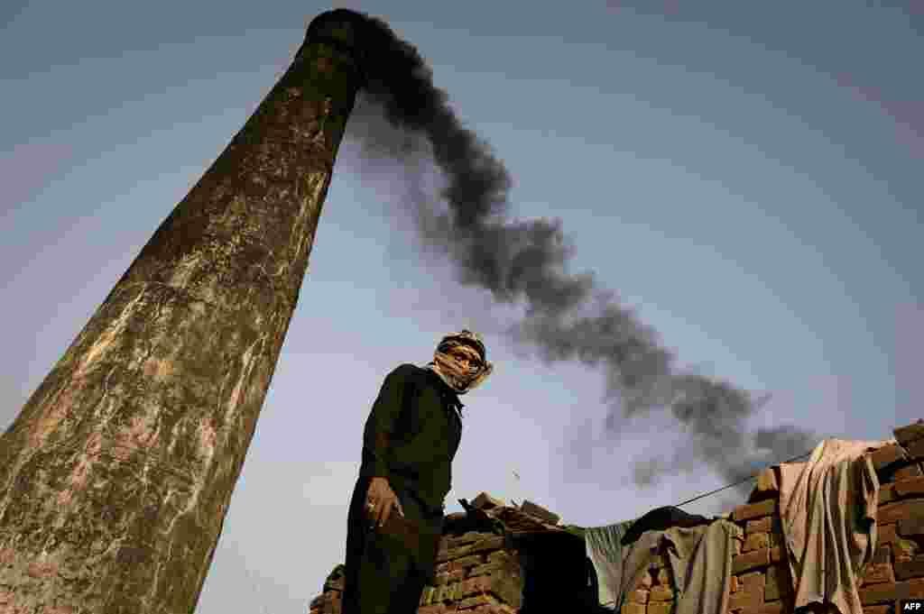 Пакистанский город Равалпинди входит в 20 самых загрязненных городов мира. Местные фабрики сбрасывают производственные отходы в реки и загрязняют воздух