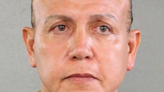Programme: Во время стрельбы в Питтсбурге погибли 11 прихожан. Почтовому бомбисту из Флориды предъявят обвинение. В Вашингтоне состоялся 43-й марафон морской пехоты