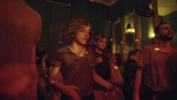"""Raving Riot: Рейв у парламента"". Как молодежь в Грузии защищала свою культуру"