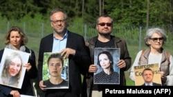 Генеральный директор Репортеров без границ Кристоф Делуар с фото Романа Протасевича