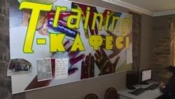 В Алма-Ате открылось кафе, где работают люди с нарушениями ментального здоровья