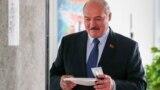 Президент Беларуси Александр Лукашенко голосует в Минске 9 августа 2020 года. Фото: ТАСС