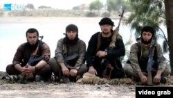 Бывший омоновец Гулмурод Халимов с другими таджикскими боевиками в Сирии
