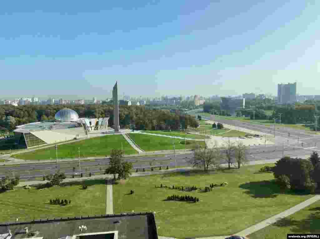 Так утром выглядели окрестности Дворца независимости