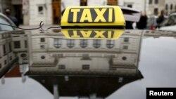 Протесты таксистов против сервиса Uber в Вене, Австрия, апрель 2016 года