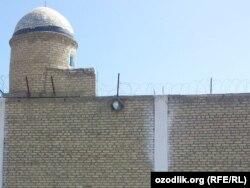 Тюрьма Отбозор вблизи Бухары считается одной из самых страшных