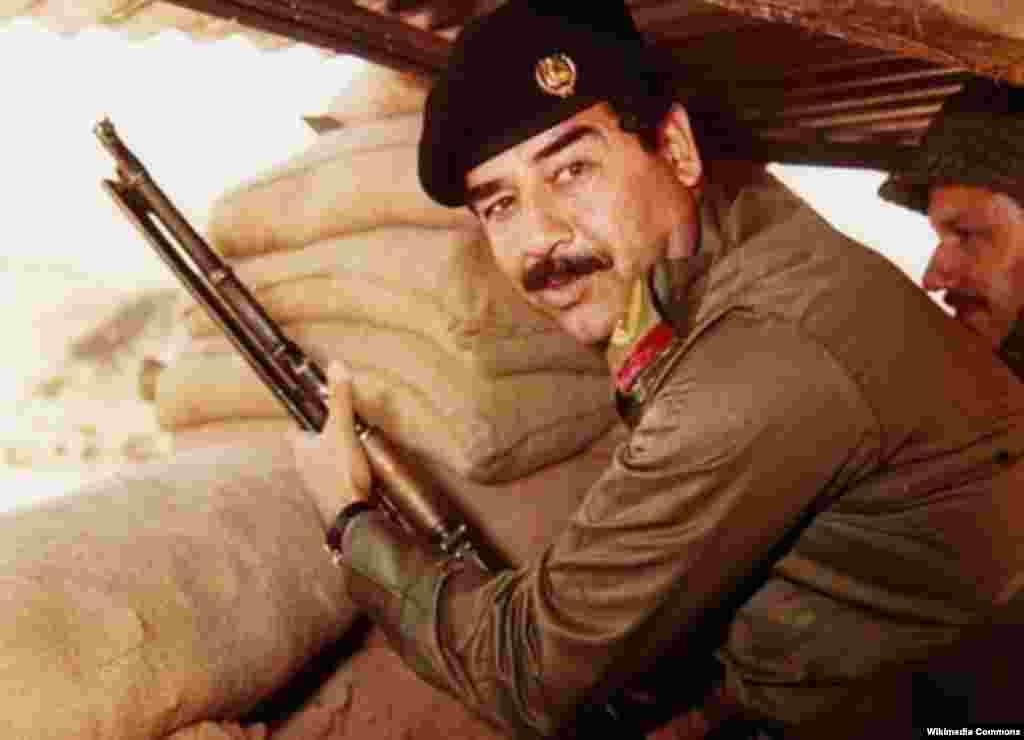 """С 1995 года по конституции Ирака глава государства стал избираться на 7-летний срок. 15 октября того же годаСаддам Хуссейнполучил в результате всенародного голосования поддержку99,96%иракцев. А в 2002 году на референдуме, по официальным данным,100%избирателей ответили утвердительно на вопрос: """"Согласны ли вы, чтобы Саддам Хусейн сохранил за собой пост президента?"""". Спустя год Хусейн быларестован в подвале деревенского дома близ селенияАд-Даур.5 ноября2006 годаВысший уголовный трибунал Ирака признал Хуссейна виновным в убийствах шиитов и приговорил к смертной казни через повешение. Приговор приведен в исполнение 30 декабря 2006 года"""