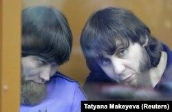 Анзор Губашев и Заур Дадев во время оглашения приговора, 13 июля 2017