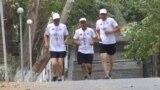 Два 70-летних аксакала пробежали 400 км от Оша до Ташкента