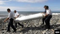Часть крыла, предположительно принадлежащего бесследно исчезнувшему самолету малайзийской авиакомпании, который выполнял рейс MH370, была найдена в конце июля