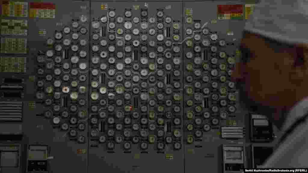 Сельсины – приборы, которые показывают глубину погружения стержней-поглотителей в активную зону. Одни из главных приборов для управляющего реактором